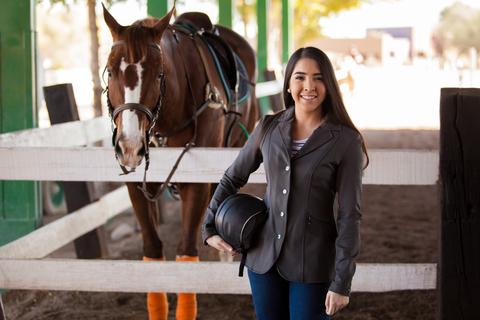 Das Glück der Erde liegt auf dem Rücken der Pferde – mit einer guten Versicherung erst recht!